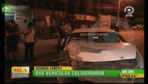 Choque frontal de vehículos deja 2 heridos