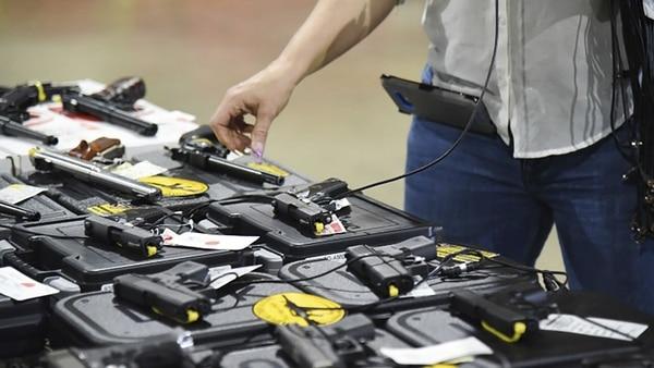 Se aprueba ley que permite armar a profesores en escuelas de EEUU