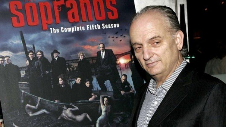 """David Chase, el creador de """"The Sopranos"""", prepara una película que serviría como precuela a esta influyente y aclamada serie de televisión, informó el medio especializado Deadline"""