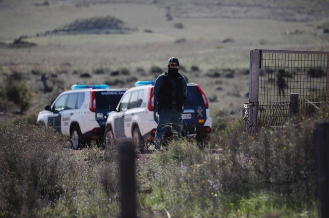 La Guardia Civil custodia el lugar donde se ocultó el cadáver de...