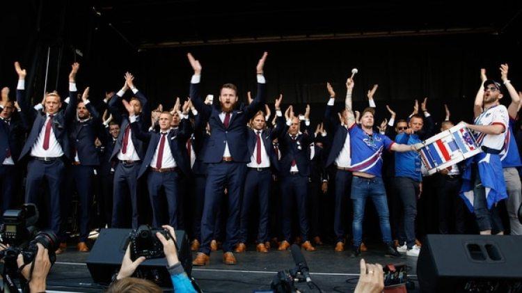 La selección de fútbol es furor en Islandia: el 20% de la población planea ir al Mundial (AP)