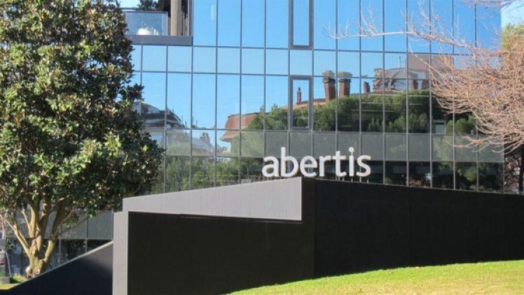 Abertis tiene su sede social en Madrid y la operativa en Barcelona
