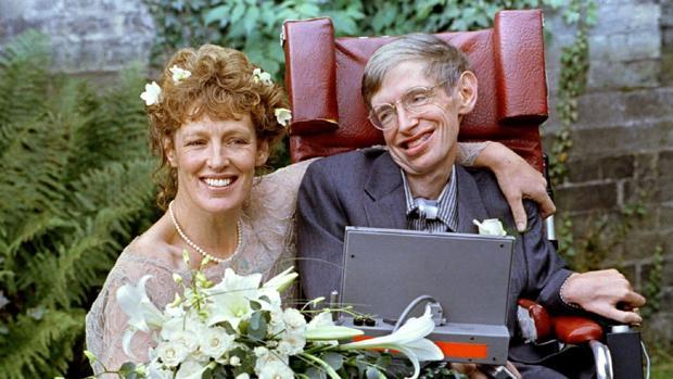 El tormentoso matrimonio de Stephen Hawking con Elaine Mason: abusos físicos y humillaciones continuas