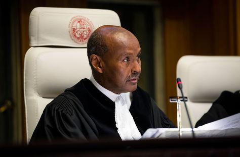 El presidente de la CIJ, el juez de Somalia Abdulqawi Ahmed Yusuf.