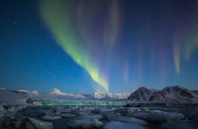 Una aurora boreal del archipiélago de Svalbard. (iStock)