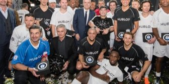 ¡Oso! Kluivert ensayó la mejor gambeta ante Diego Maradona