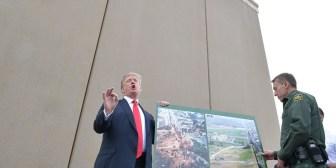 El Congreso de EE.UU. aprobó el presupuesto con fondos para el muro con México