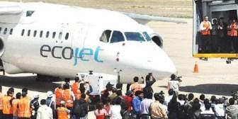 Ecojet niega denuncias de pasajeros