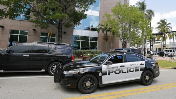 Busca a hombres que agredieron a pareja gay en Miami Beach