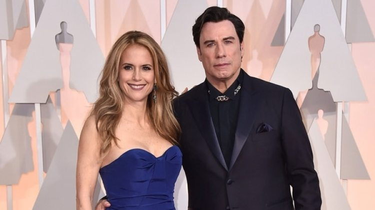 John Travolta junto a su esposa Kelly Preston (AP)