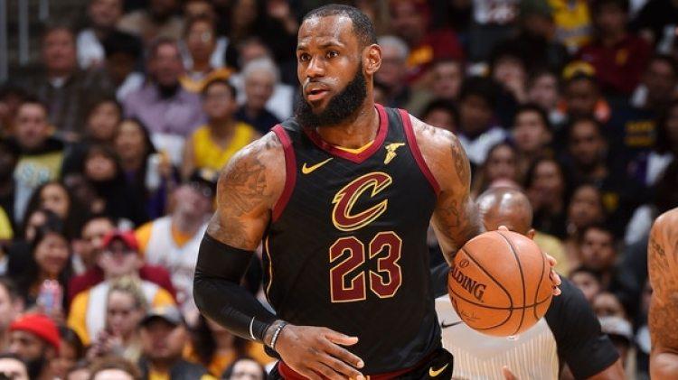 Acusan a LeBron James, jugador de la NBA de plagio