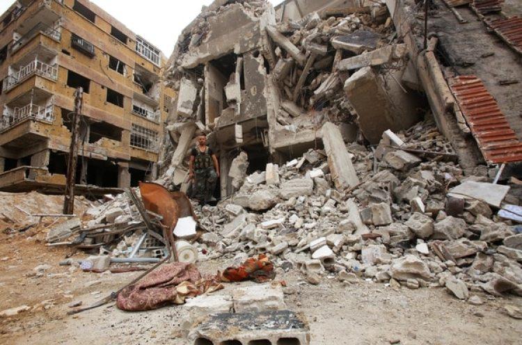 EEUU, Reino Unido y Francia bombardearon fábricas de armas químicas del régimen sirio (AFP)