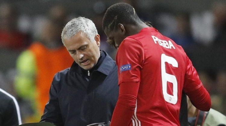 """José Mourinho le habría """"soltado la mano"""" a Pogba"""