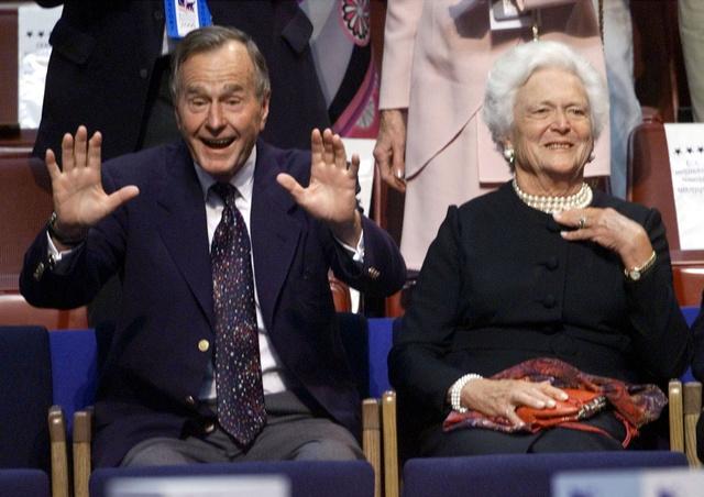 El matrimonio Bush en julio del 2000.