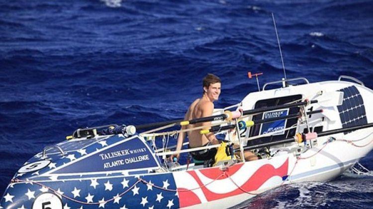 El bote estaba diseñado para salir a flote en caso de darse vuelta (Facebook)