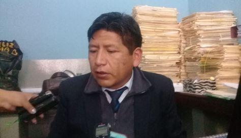 El fiscal Luis Fernando Atanacio informa del caso. Foto: Jannet Ticona.