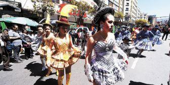 La participación de menores en las entradas de La Paz requerirá aval municipal