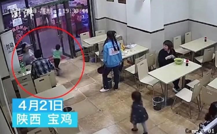Elvideo se volvió viral de inmediato, con más de 67 millones de vistas en Weibo.