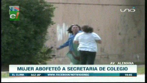 Madre de una niña abofeteó a secretaria del colegio