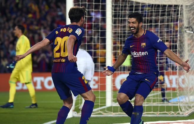 Sergi Roberto y Luis Suárez, los autores del primer gol del Barça