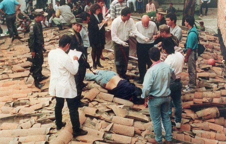 A las 3.18 de jueves 2 de diciembre de 1993, el capo del Cartel de Medellín cayó muerto en un tejado del barrio Los Olivos