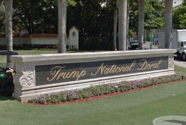 Hombre grita sobre el presidente y abre fuego en resort de Trump