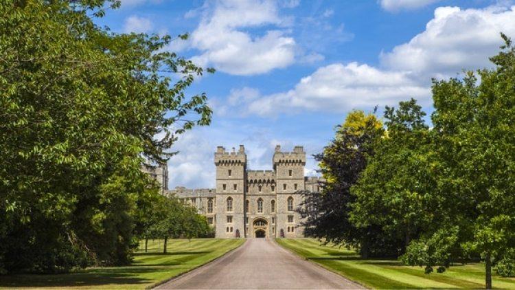 La entrada principal del Castillo de Windsor donde llegarán los primeros invitados