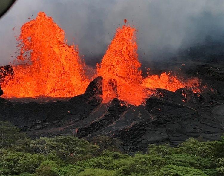 Una fuente de lava en la fisura 22(Reuters)