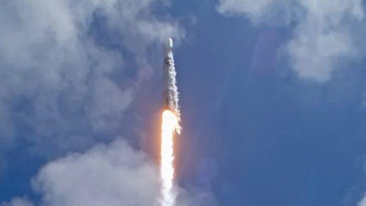 El cohete de Space X llevaba siete satélites a bordo (NASA)