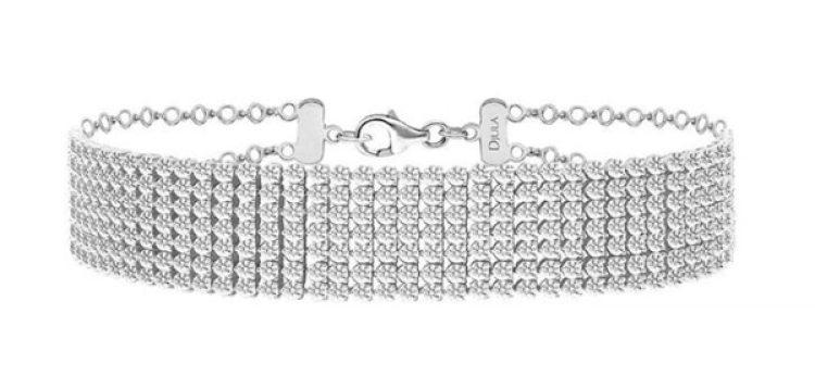 El collar de diamantes