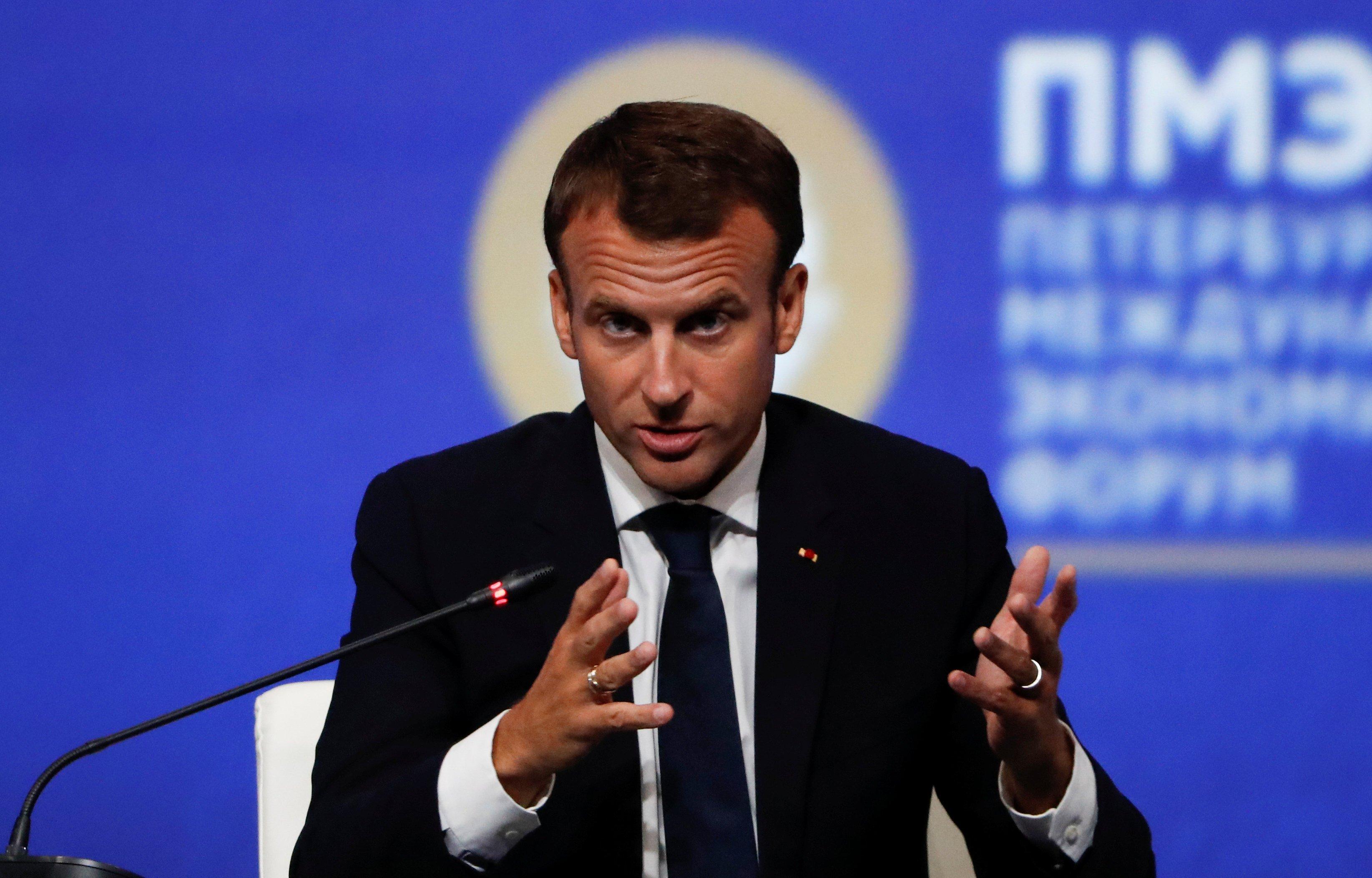 El presidente francés, Emmanuel Macron, habla durante una sesión del Foro Económico Internacional de San Petersburgo (SPIEF), Rusia, el 25 de mayo de 2018. REUTERS / Grigory Dukor