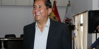 Salinas pone las 'manos al fuego' por Farías