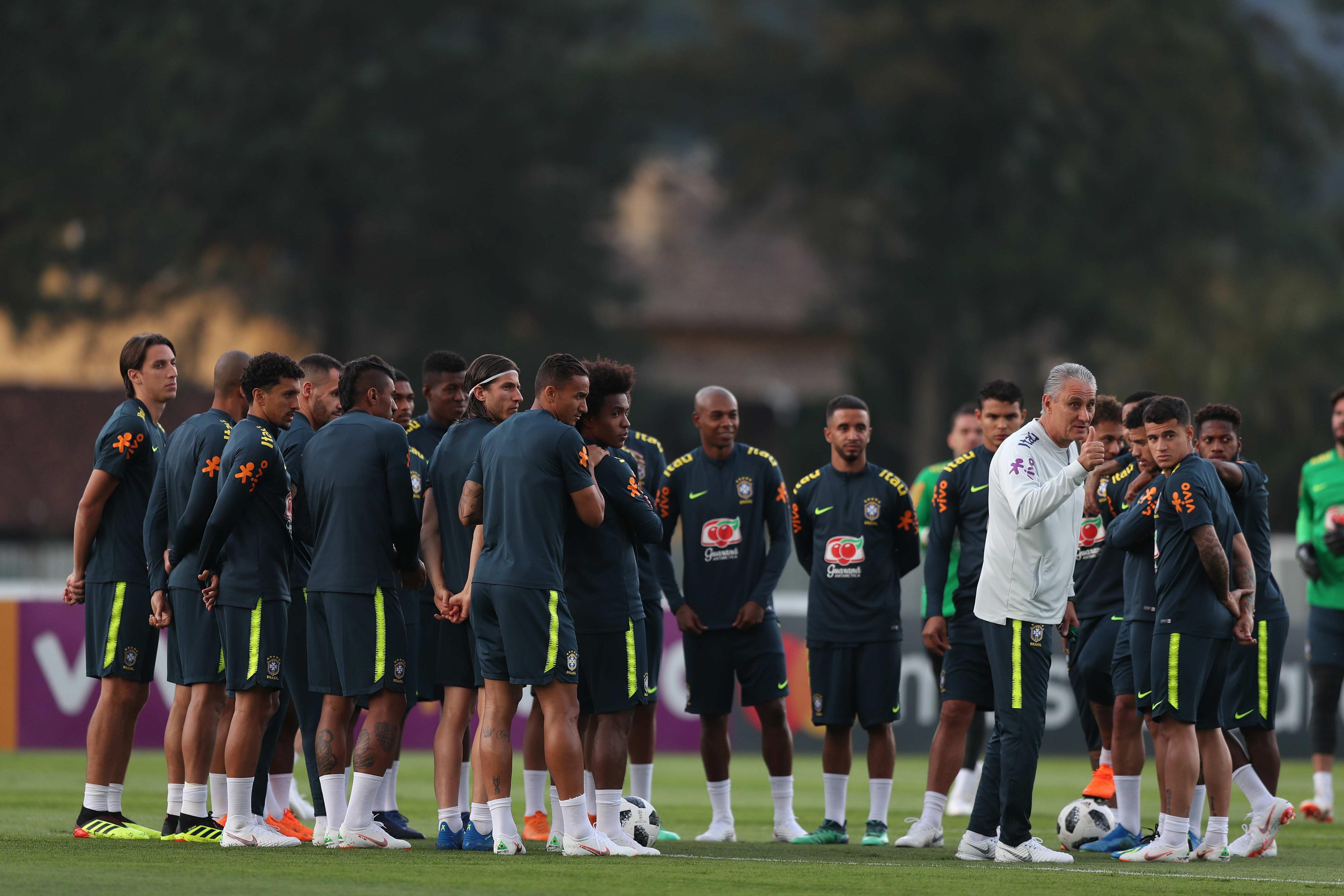 La selección de Brasil tuvo una práctica hoy, viernes 25 de mayo de 2018, a puertas abiertas para despedirse de sus hinchas EFE/Marcelo Sayão