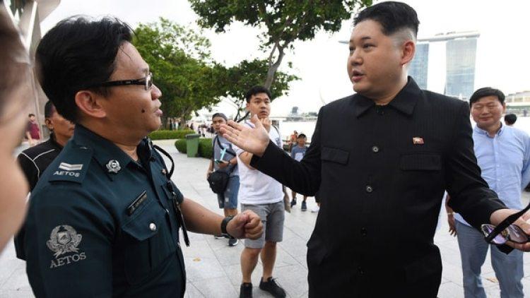 Agentes policiales lo abordaron ante el revuelo causado