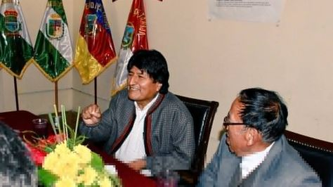 El presidente Evo Morales y monseñor Toribio Ticona. Foto: Cancillería