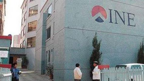 Fachada principal del INE en la ciudad de La Paz.