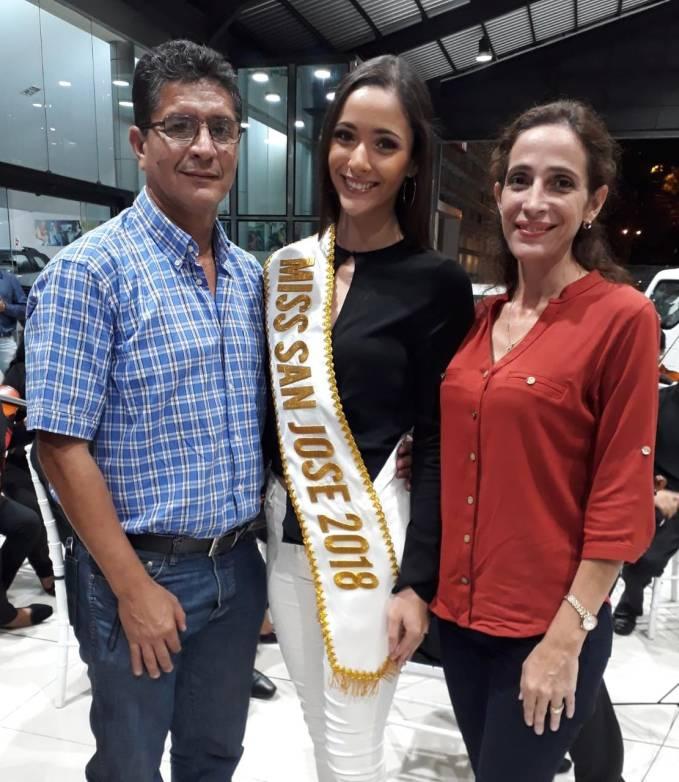 Juan Fernando Salmon, Ma. Fernanda Salmon y Sandra Sahonero