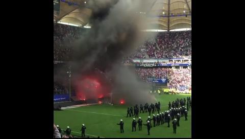 Hamburgo desciende por primera vez en su historia