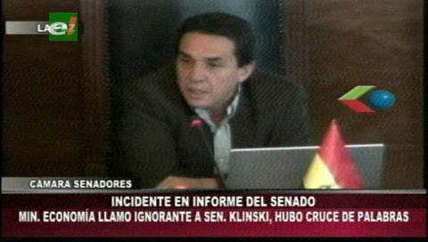 Ministro llama «ignorante» a un senador y desata discusión entre Gonzales y Ortiz