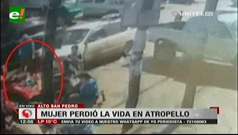 Cámara registra cuando vehículo arrolla a personas en Alto San Pedro