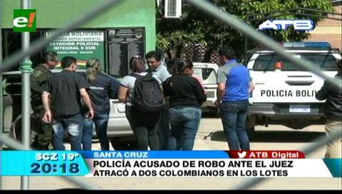Un policía asalta a dos colombianos en Santa Cruz