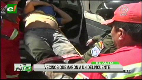 Vecinos quemaron a delincuente que intentaba robar un auto