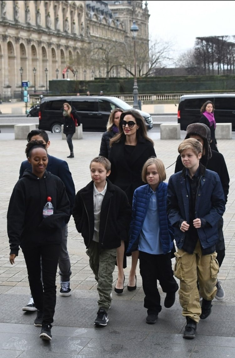 Angelina Jolie tiene seis hijos junto a Brad Pitt
