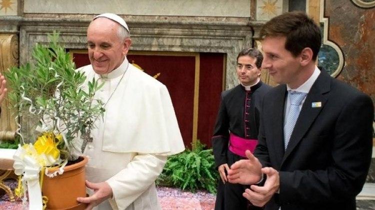 El papa Francisco había recibido a Lionel Messi y la selección argentina en 2013 (Getty Images)
