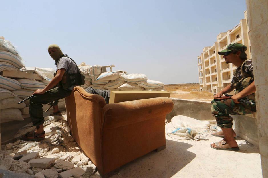 Combatientes del Frente al Nusra en el barrio de Sheikh Maksoud, Alepo, en agosto de 2015. (Reuters)