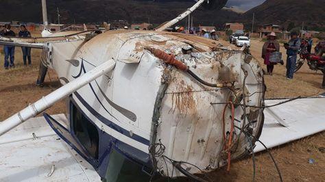 Así quedó la avioneta tras el aterrizaje forzoso en Sacaba. Foto:Fernando Cartagena
