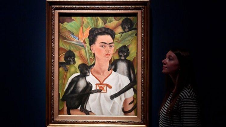 En los autorretratos de Frida se celebra el colorido y pintoresco de la tradición y cultura mexicana
