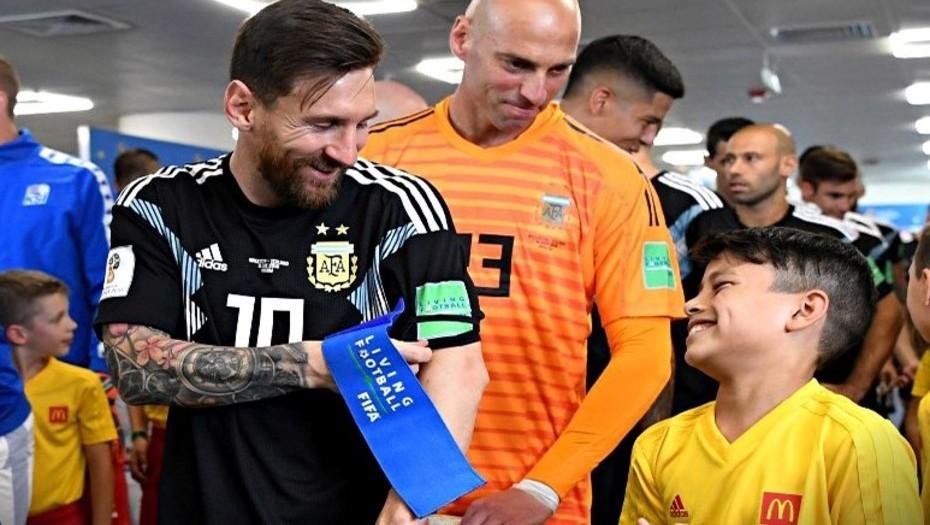 Mundial de Rusia: se supo cuál fue la ocurrencia del chico que sorprendió e hizo reír a Lionel Messi en el túnel