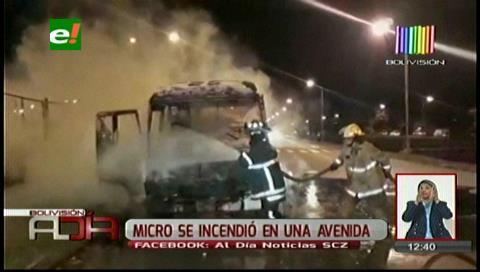 Fuego consume un micro por el Cambódromo