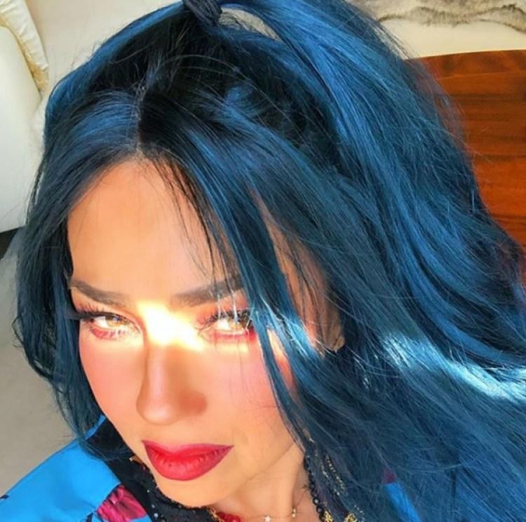 Thalía debutó nuevo color de pelo más oscuro y sensual